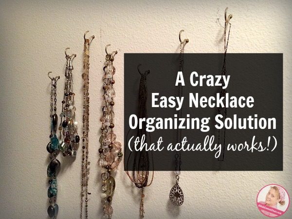 A Crazy Easy Necklace Organizing Solution (that actually works!) at ASlobComesClean.com
