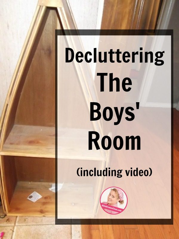 declutter boys room with video at ASlobComesClean.com