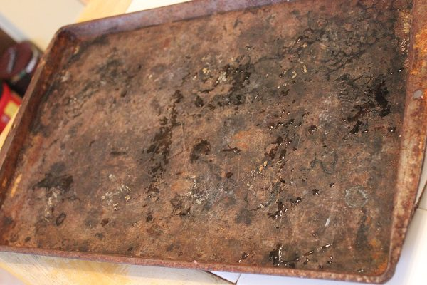Rusted Cookie Sheet ASlobComesClean.com