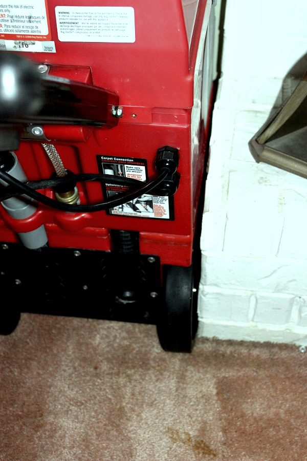 Getting Into Tight Spaces With The Rug Doctor Rental Carpet Cleaner At  ASlobComesClean.com