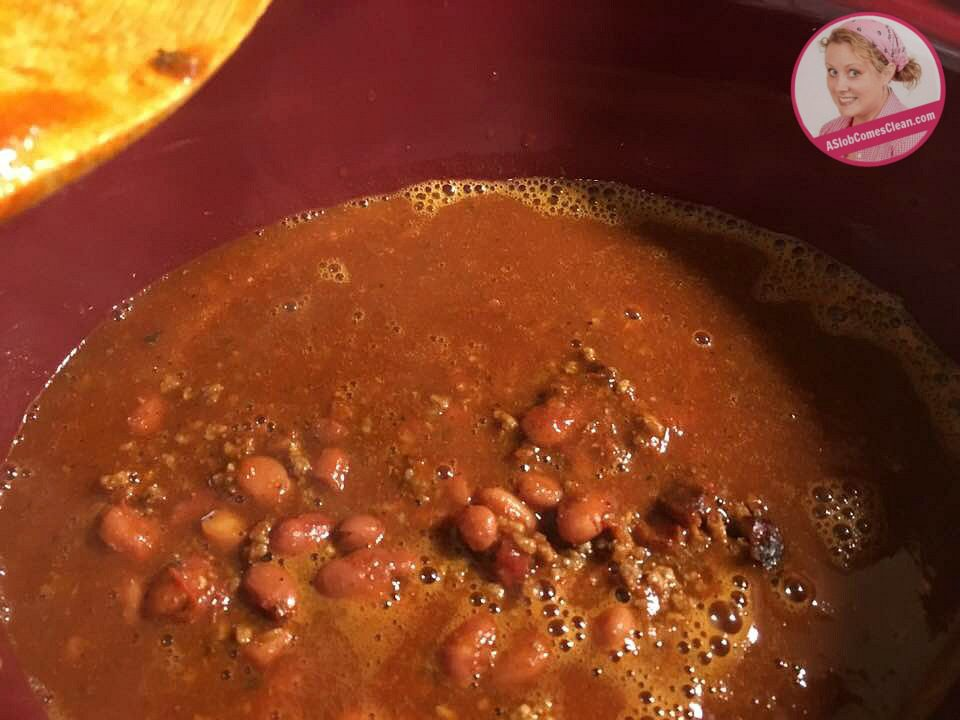 Easy Vacation Meals Chili at ASlobComesClean.com