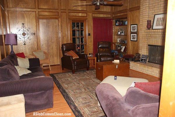 Living Room Decor Before at ASlobComesClean.com